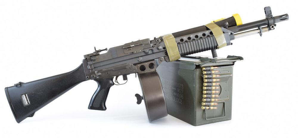 Stoner-commando-right-side-flashlight.jpg